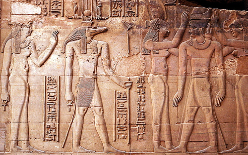 Impossible? 3,000 Year-Old Hieroglyphics Depict Modern Day Technology ...