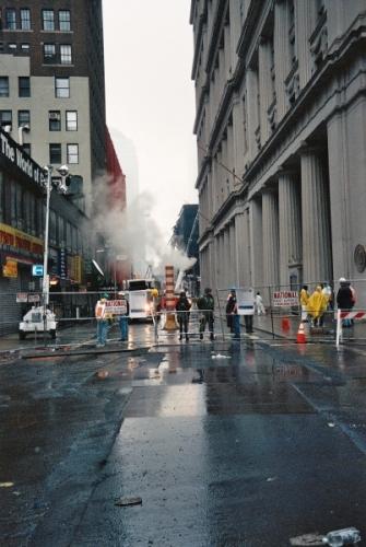 001 4 335x500 - Salen a la luz unas exclusivas fotografias del 11 de Septiembre