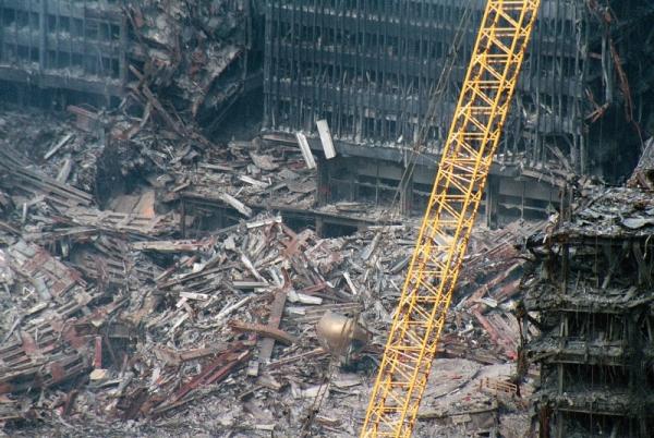 037 15 600x402 - Salen a la luz unas exclusivas fotografias del 11 de Septiembre