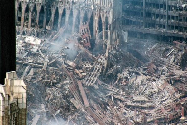 038 16 600x402 - Salen a la luz unas exclusivas fotografias del 11 de Septiembre