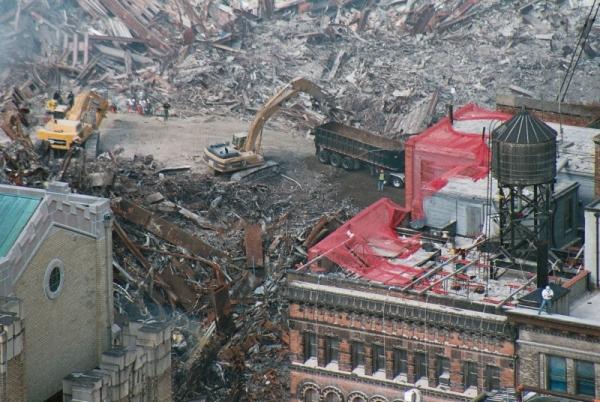 040 18 600x402 - Salen a la luz unas exclusivas fotografias del 11 de Septiembre