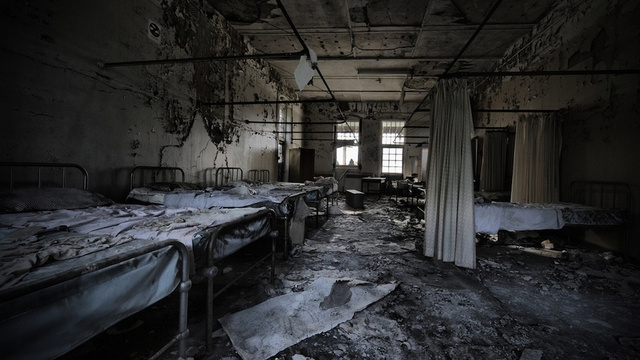 Empty room with bed dark empty room old abandoned room empty room with - Gallery For Gt Creepy Abandoned Insane Asylums