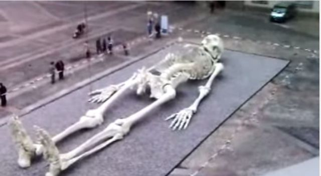 city found 360 feet below missouri city, giant human skeleton, Skeleton