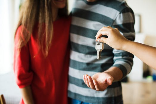 Factors to consider for making home moving a smooth affair
