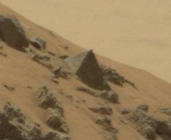 NASA's Curiosity Rover Snaps Photo of Pyramid On Mars ...