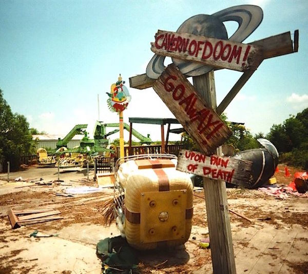 13 Of The Scariest Abandoned Amusement Park Rides