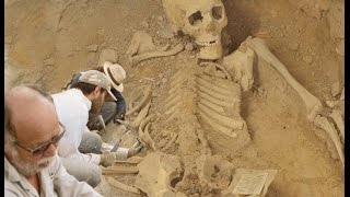 5-meter tall human skeleton unearthed in australia | conspiracy, Skeleton