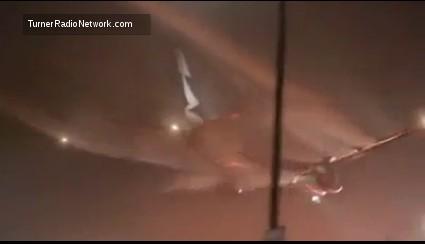 Esquecido? Piloto pousa avião com Chemtrail ainda ligado