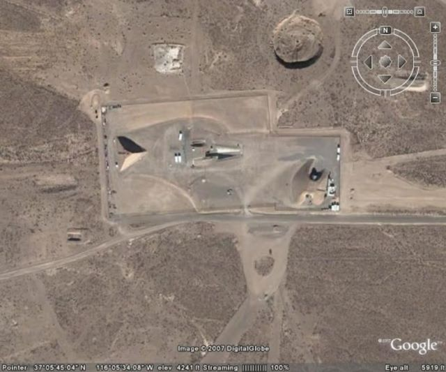 Construíram uma pirâmide na Área 51?